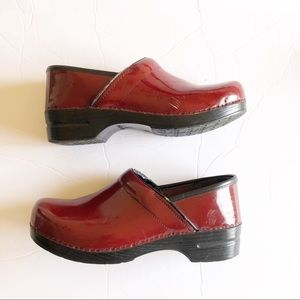 Dansko Professional Cherry Patent Size 43